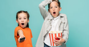 bambini tv film pubblicità pop cornDepositphotos_476981574_S